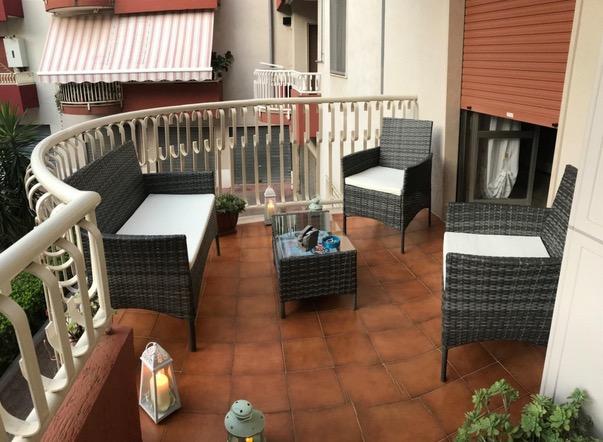 divano e poltrone in ecorattan da terrazzo e giardino