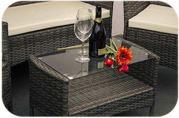mobili da esterno in rattan divano poltrone tavolino