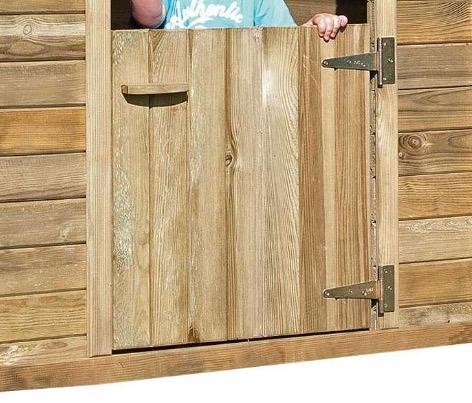 casetta legno con porta in legno