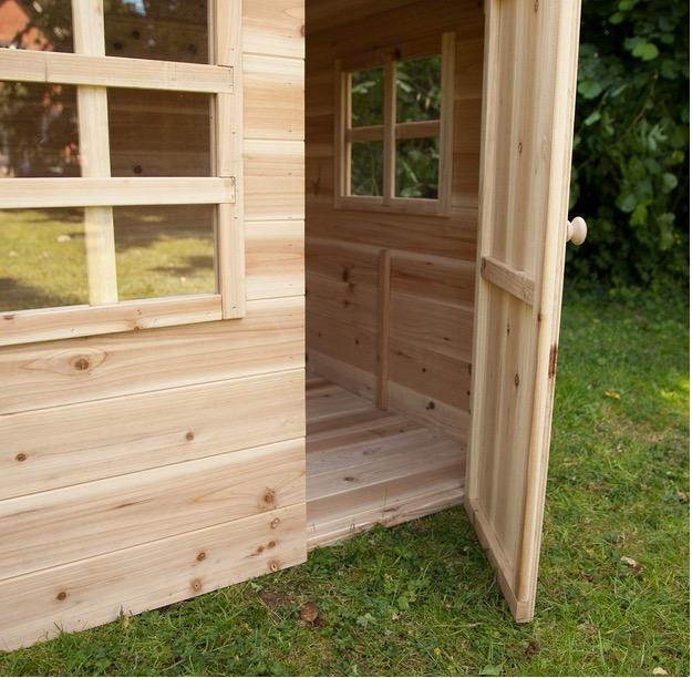 Casetta in legno con pavimento compreso