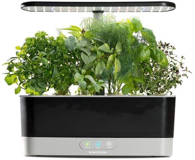 serra intelligente illuminazione irrigazione